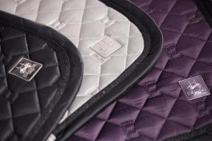 Czaprak Glossy Quilted H20 deepberry
